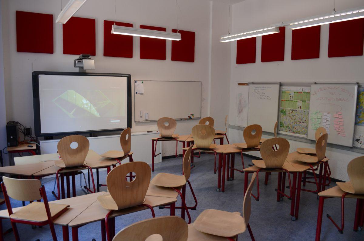 Ein normaler Unterrichtsraum mit ActivBoard