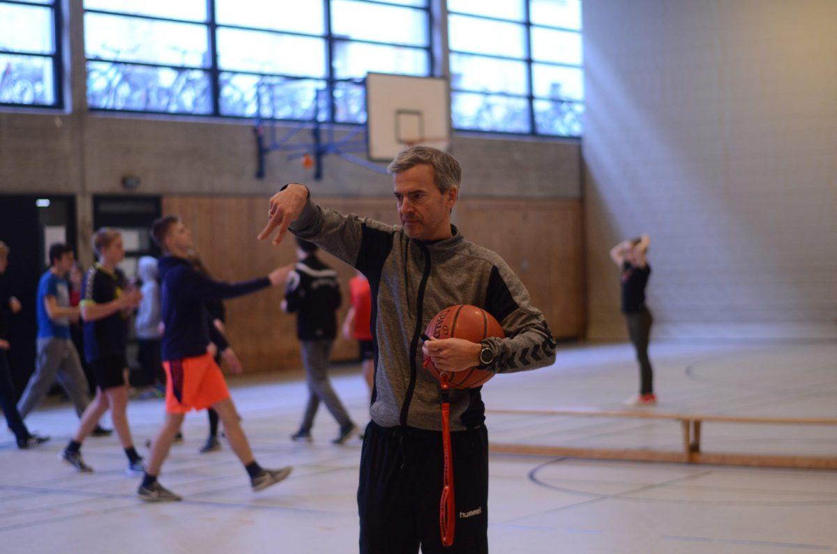 Basketball (4)