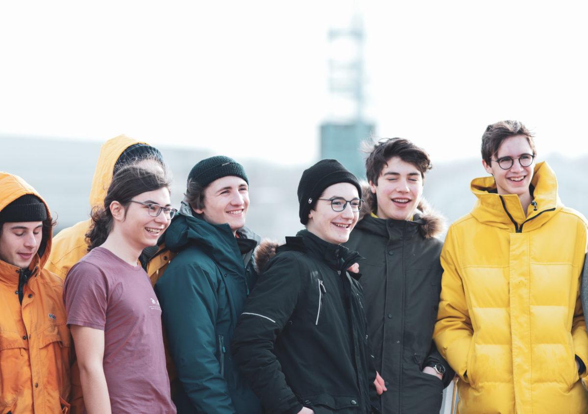Gruppenfoto auf dem Deck
