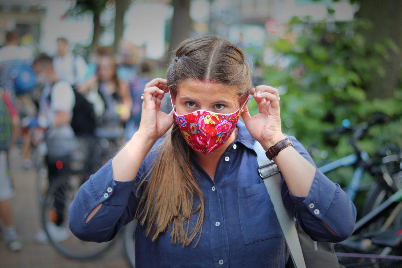 Tragen einer Maske