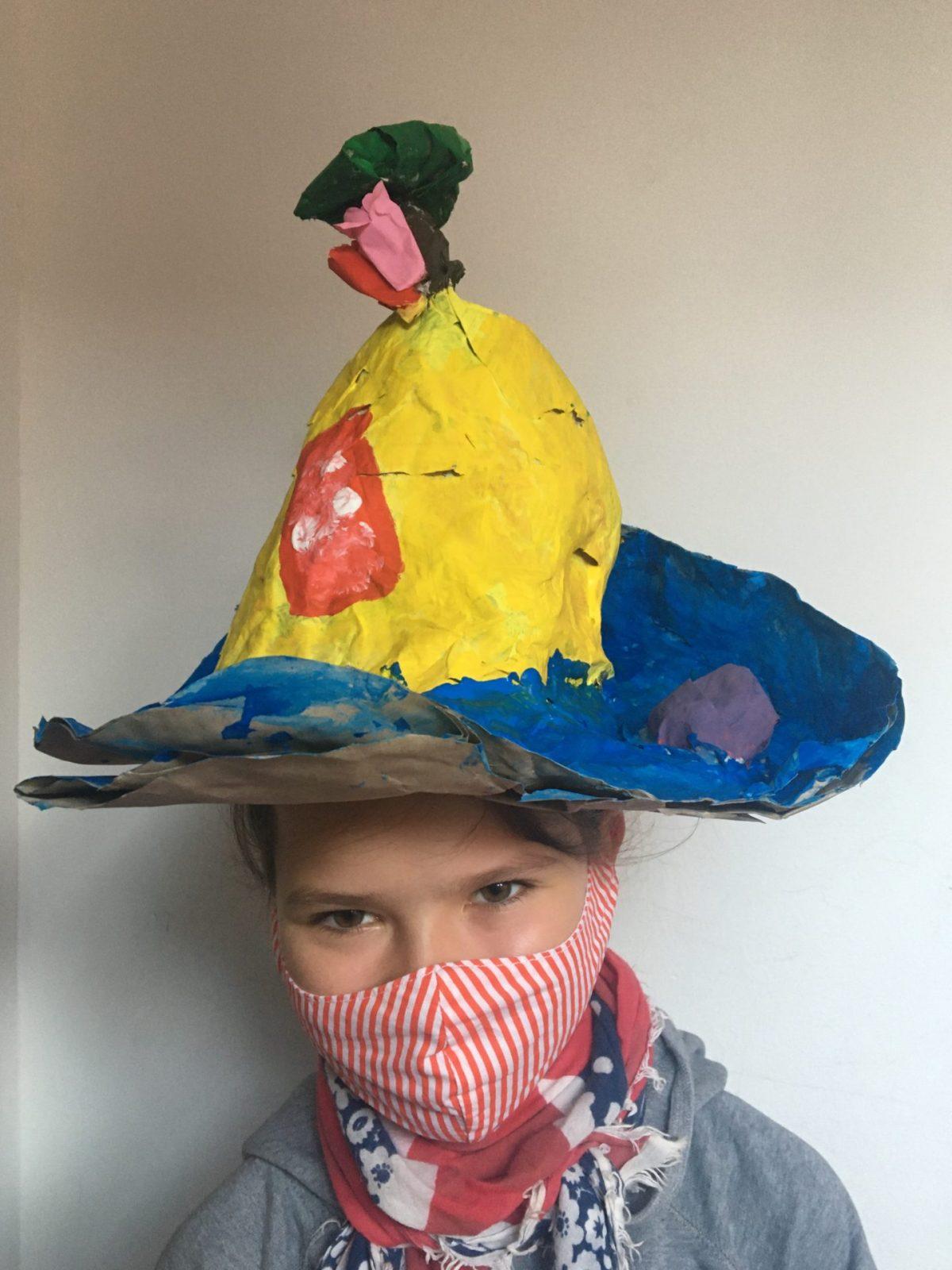 Hutparade der 5b