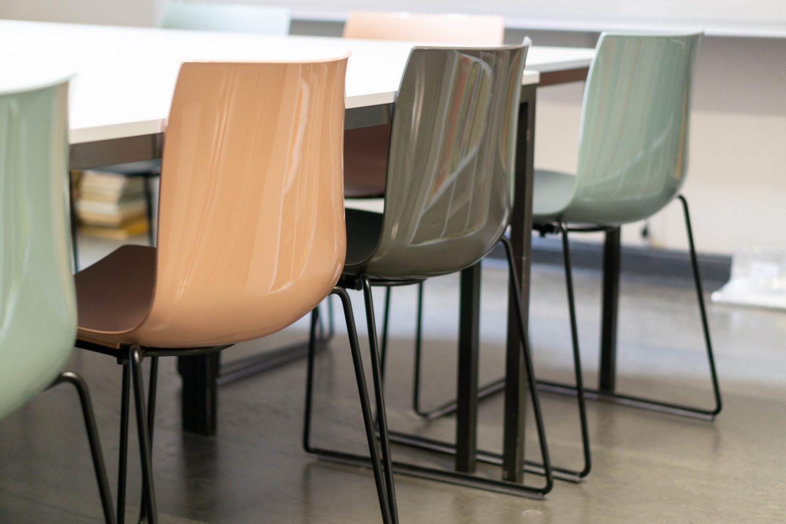 neue Stühle