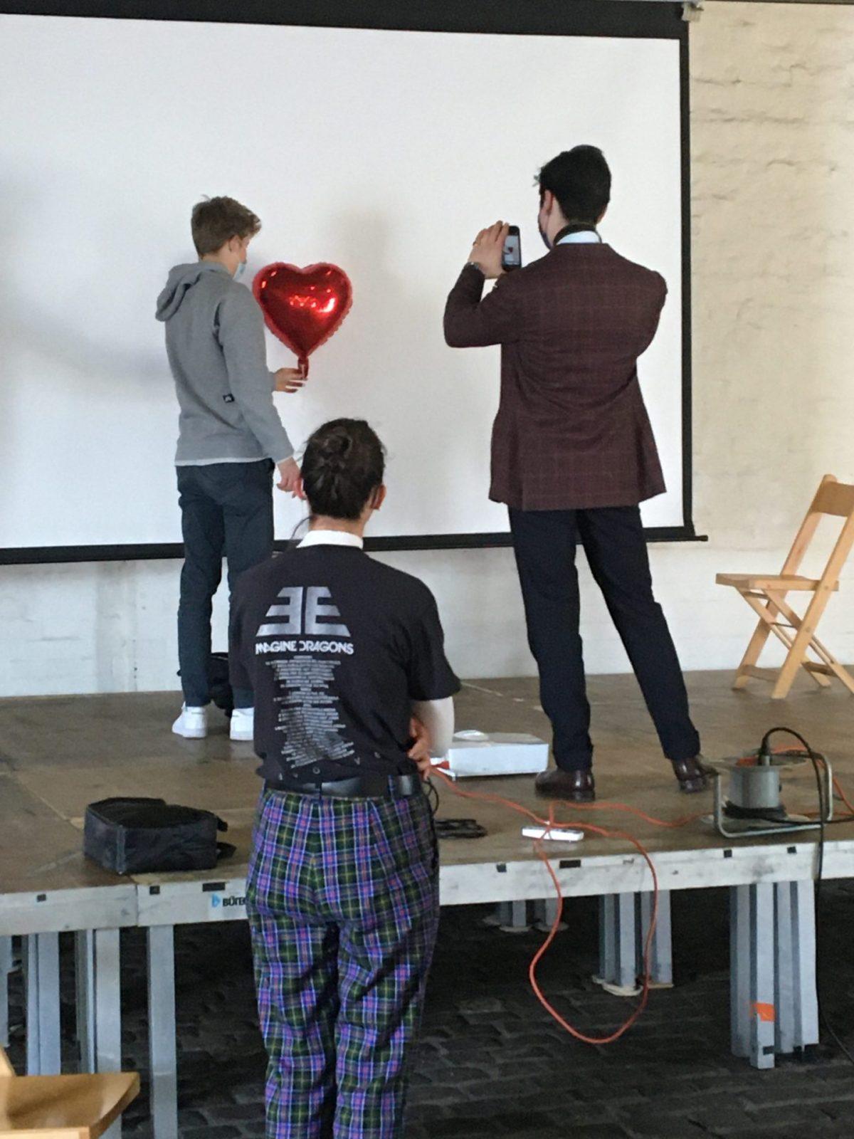 das Thema Liebe in Videoschnipseln