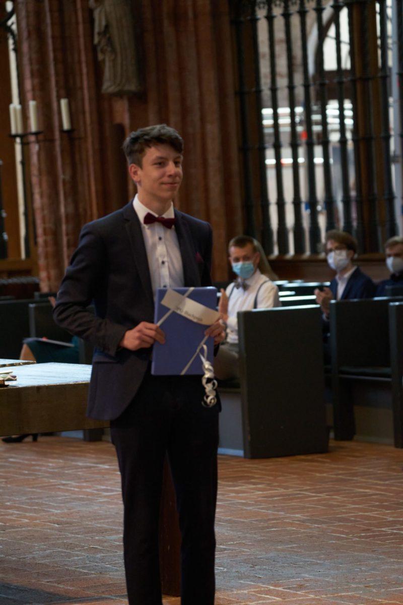 Maximilian Radtke (Q2b) - DPG-Buchpreis u. Mitgliedschaft
